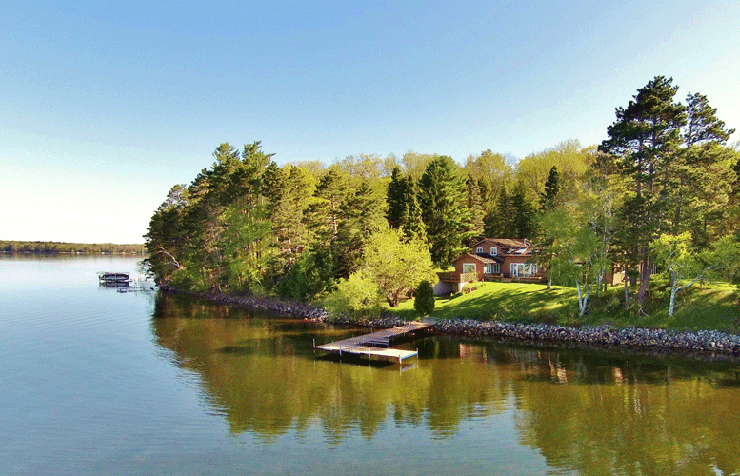 Premier Lakeside Residence on Fence Lake ~ Lac du Flambeau, Wisconsin