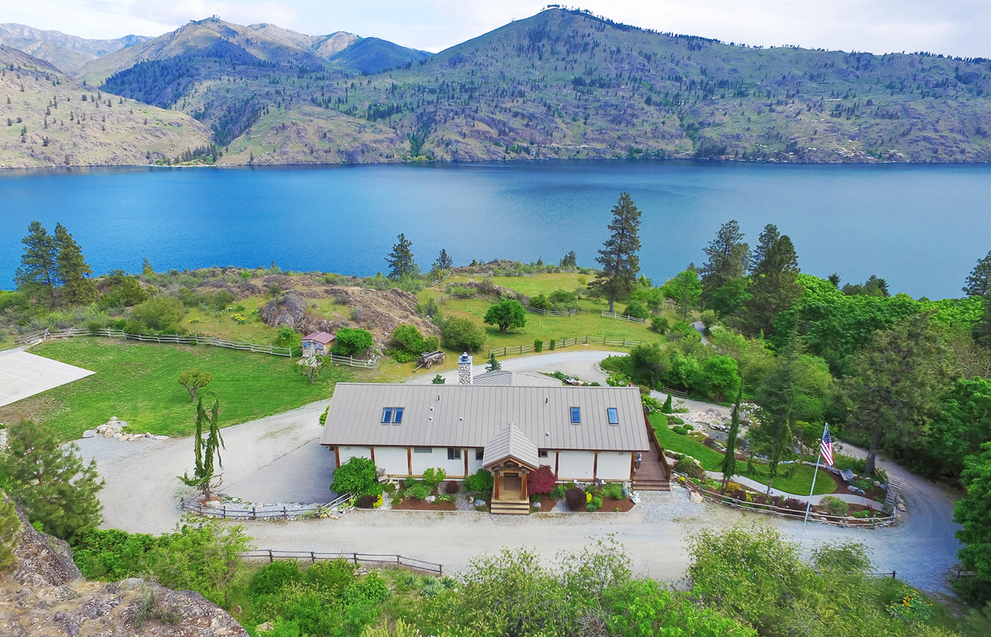 Private Chelan 180 ~ Lake Chelan, Washington
